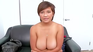 Reina is amateur sexy has no idea how to pose in front of the camera but she feels free to get nude in this casting action. Naked dark haired lady shows off her big sized natural tits and meaty hairless pussy