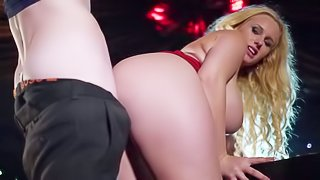 Turned on Danny D enjoys in getting seduced and aroused by a hot and arousing curvy blonde honey with big ass and shaved taco and slamms her with pleasure